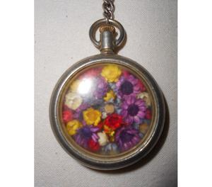 Adorno NUEVO hecho con reloj antiguo de bolsillo.