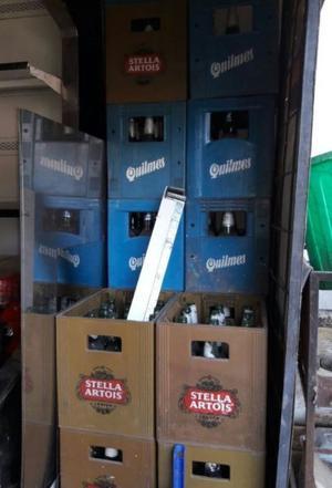 Cajones de cerveza con botellas incluídas