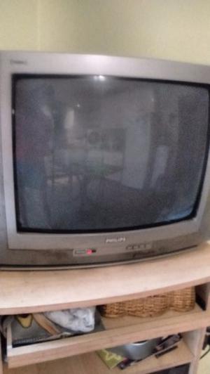 TV Philips 21 pulgadas más mesa TV