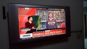 "Tv lcd Sanyo 32"" con soporte de pared"