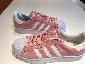 Zapatillas Adidas Superstar. Rosas Gamuza