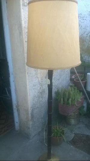 Lámpara de pie