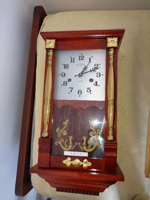 REPLICA de Reloj Antiguo Con Péndulo Parsons excelente