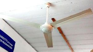 Ventilador de techo paletas de metal blanco