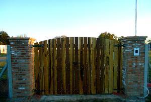 Cercos portones para jardin en madera posot class - Puertas de madera para jardin ...