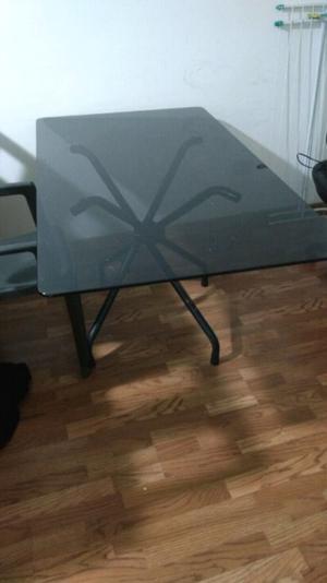 Mesa de vidrio usada