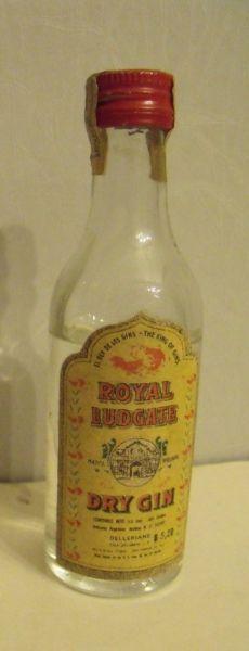 Antigua Botella Miniatura Dry Gin Royal Ludgate
