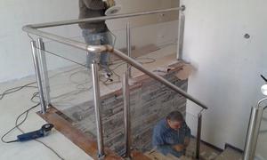 Barandas y pasamanos de acero inoxidable posot class for Barandas de vidrio y acero