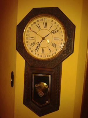 Reloj antiguo pared posot class - Reloj pegado pared ...