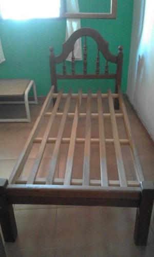 Vendo cama de una plaza de algarrobo impecable