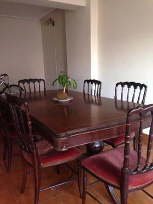 Juego de mesa de cedro antiguo c/ 6 sillas. LIQUIDO