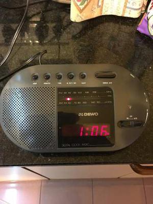 Radio Reloj Despertador Dewo