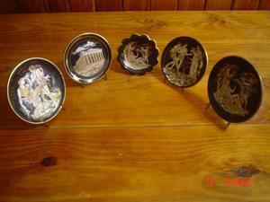 Conjunto de 5 platitos decorados, pintados a mano con oro