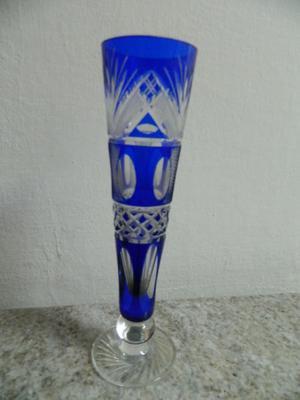 Cristal azul tallado