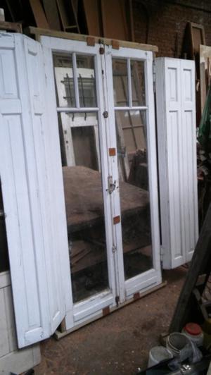 Liquido puerta balcon antigua 120x210 exelente estado