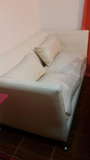 Vendo Sillón 2 cuerpos con almohadones color blanco en