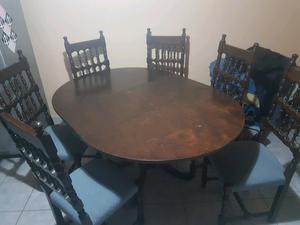 Vendo mesa y sillas antiguas perfecto estado
