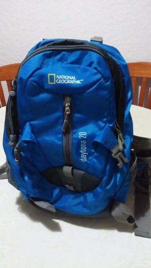 Mochila National Geographic. 30 lts. Impecable. Nueva