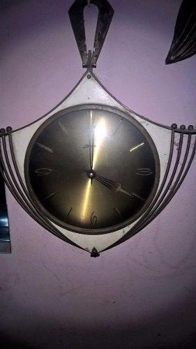 Reloj Antiguo (reliquia) Leer