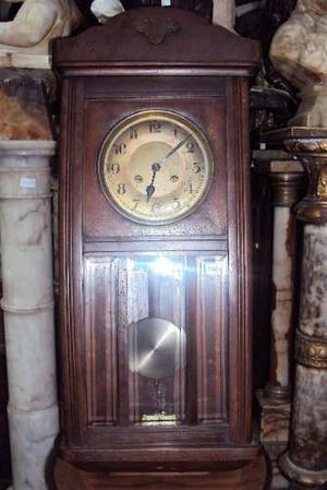 Reloj De Pared A Péndulo Con Caja De Roble ()