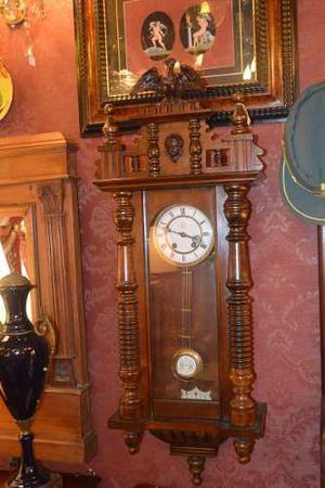 Unico Reloj De Pared Alemán Funcionando Con Caja De Madera