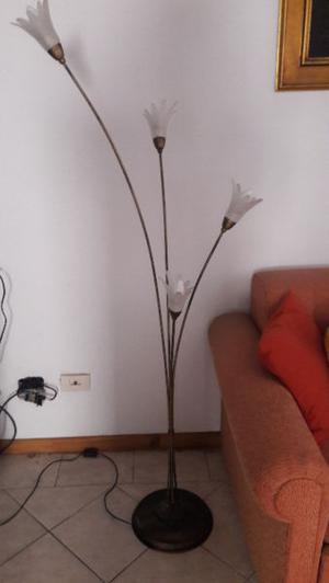 lampara de pie electrica 4 espigas dle metal