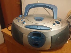 radiograbador estereo digital con cassetera y CD.-Daihatsu-