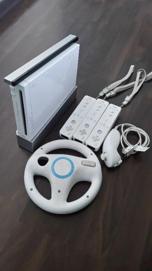 Vendo Wii en excelente estado con juegos y plataforma