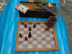 antiguo set ajedrez-generala-naipes-perinola-30x26cm