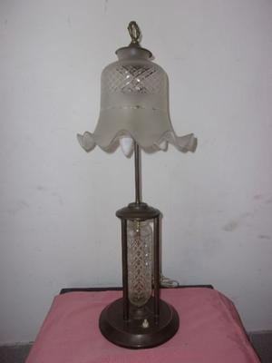 ANTIQUISIMA LAMPARA DE BRONCE CON TULIPA DE CRISTAL-