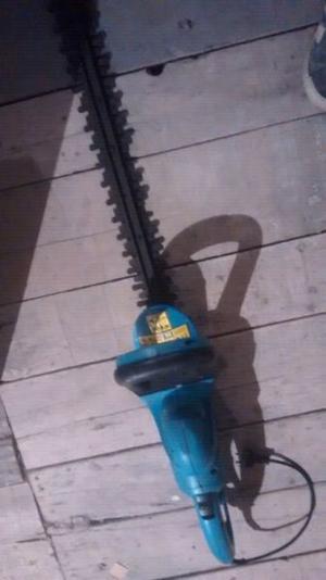 Vendo cortadora d cerco y ligustro a reparar