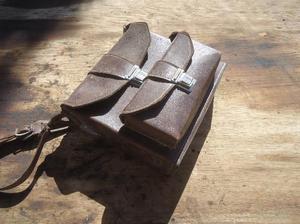 Bolso de cuero antiguo para filmadora