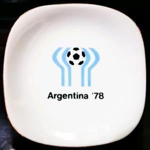 "PLATITO ""MUNDIAL ARGENTINA 78"" (PORCELANA VERBANO)"