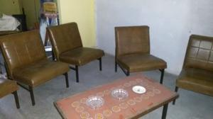 Juego de sillones y mesa ratona posot class for Juego de sillones usados