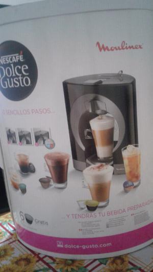 CAFETERA EXPRÉS CON CAPSULAS