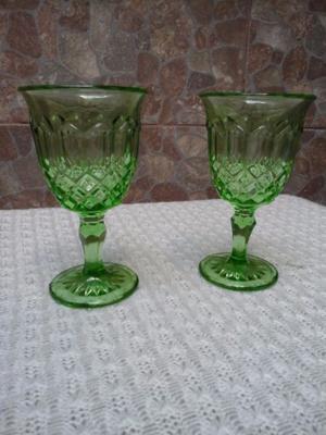 2 copas verdes talladas antiguas