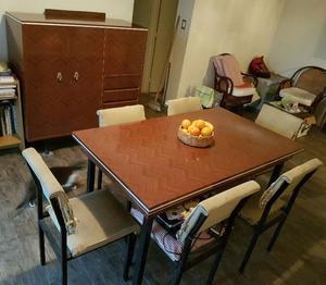 Juego de Comedor: Mesa, 6 Sillas y Mueble Cristalero