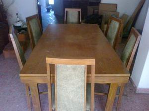 Mesa de madera y 6 sillas