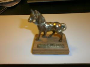 caballo de bronce macizo