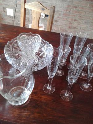 Juego de copas y jarros de cristal de francia