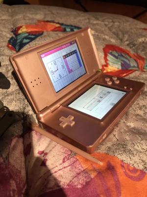 Nintendo Ds Lite Rosa con cargador y lapiz
