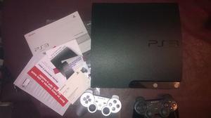 PS3 SLIM IMPECABLE CON 2 JOYSTICKS Y 6 JUEGOS