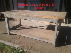 Vendo bancos de trabajo y mesas antiguas