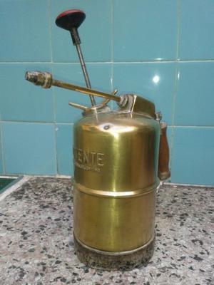 antiguo fumigador de bronce