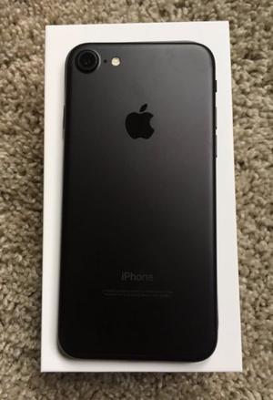 IPhone 7 black 32 gb Nuevo en caja + funda. Permuto