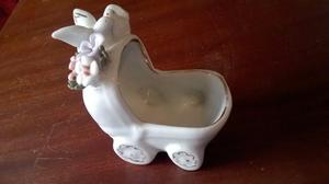 Antiguo carocero de cerámica esmaltada