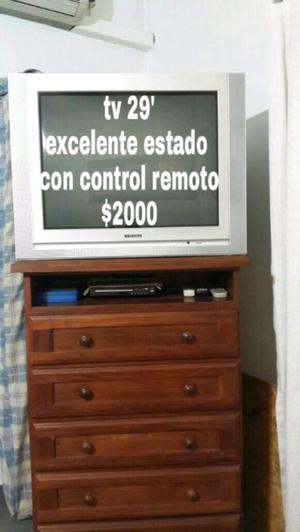 Tv, mesa ratona, puertas vaiven Y mesa de tv