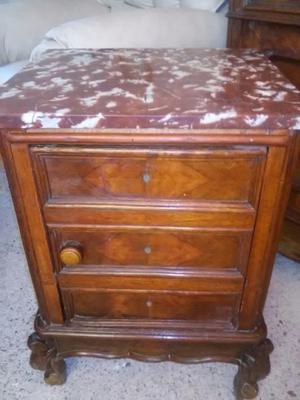 mesa de luz Luis XV con marmol $
