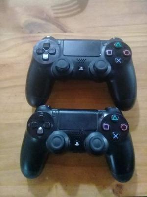 Vendo 2 joystick de ps4 en buen estado