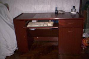 escritorio de andre kevin enchapado cedro 60-x-135-alto-77